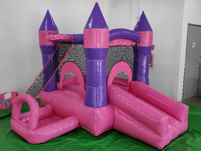 Pink-Princess-bouncy-castles-Singapore